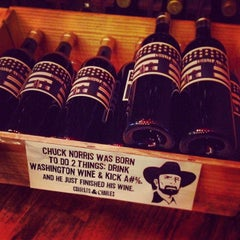 Photo taken at Bottle Shoppe by Matteo 🐯 S. on 12/22/2013
