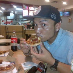 Photo taken at Domino's Pizza by Boedjang S. on 9/30/2015