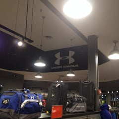 Photo taken at Under Armour by Ed L. on 12/24/2013