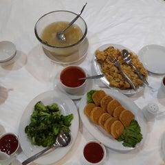 Photo taken at Restoran Cahaya Baru by Irene C. on 5/27/2014