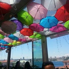 6/1/2013 tarihinde Neslihan S.ziyaretçi tarafından Savor Cafe'de çekilen fotoğraf