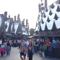Photo taken at The Wizarding World Of Harry Potter - Hogsmeade by Jaime L. M. on 11/17/2012