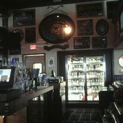 Photo taken at Bilbo's Bar & Grill by FUN T. on 9/17/2012