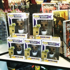 Photo taken at Phat Collectibles by Hide T. on 1/21/2015