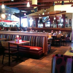 Photo taken at Red Robin Gourmet Burgers by Reinaldo C. on 8/22/2013