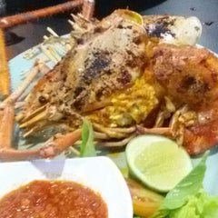 Photo taken at Dandito Seafood | Restaurant by Bonnie W. on 5/24/2015
