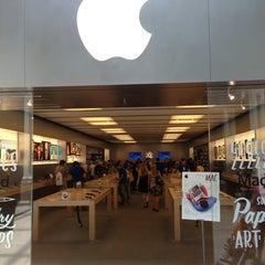 Photo taken at Apple Store, Bridgewater by Bud C. on 7/10/2013