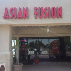 Photo taken at Tottie's Asian Fusion by Jason L. on 8/8/2014