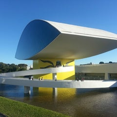 Photo taken at Museu Oscar Niemeyer (MON) by Monique U. on 6/22/2013