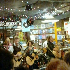 Photo taken at Grimey's New & Preloved Music by Garth on 2/1/2013