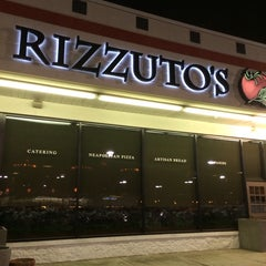 Photo taken at Rizzuto's Restaurant-Bar-Sports by Greg W. on 2/17/2014