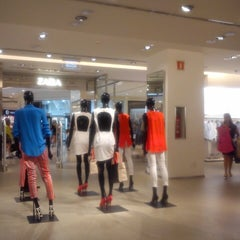 Photo taken at Zara by Rafael Nunes R. on 9/8/2013