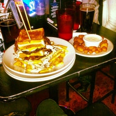 Photo taken at The Vortex Bar & Grill by Leslie Dillon P. on 12/30/2012