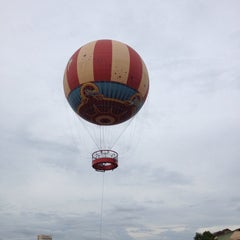 Photo taken at Characters In Flight by Hugo H. on 6/3/2013