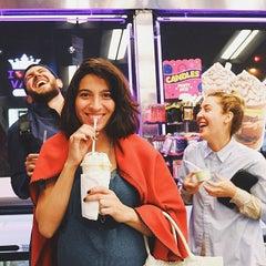 Photo taken at Carvel Ice Cream by Maga M. on 5/8/2015