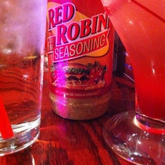 Photo taken at Red Robin Gourmet Burgers by Jennifer M. on 11/16/2012
