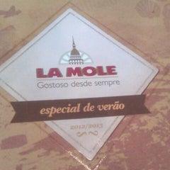 Foto tirada no(a) La Mole por Barbara L. em 12/26/2012