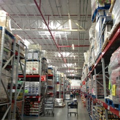 Photo taken at Sam's Club by Angel M. on 2/24/2013