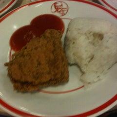 Photo taken at KFC / KFC Coffee by Yudi D. on 7/27/2013