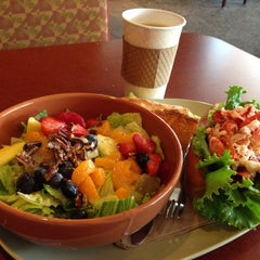 Photo taken at Panera Bread by Seung Min 'Mel' Y. on 8/24/2014