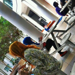 Photo taken at Caffe d'library @ UTHM by マイケルス コ. on 11/1/2013