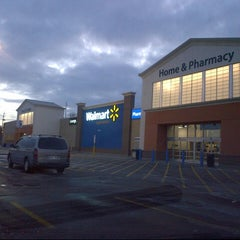 Photo taken at Walmart Supercentre by Ady P. on 1/20/2013