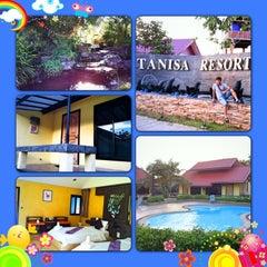 Photo taken at Thanisa Resort by Gunn T. on 3/30/2013