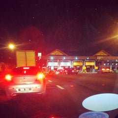 Photo taken at Plaza Tol Bukit Jelutong by 🔰AuZz A. on 7/9/2013