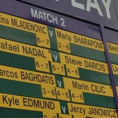 Das Foto wurde bei The All England Lawn Tennis Club von Harrison M. am 6/25/2013 aufgenommen
