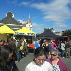 Photo taken at Dunedin Saturday Farmer's Market by Hauiti H. on 2/22/2013
