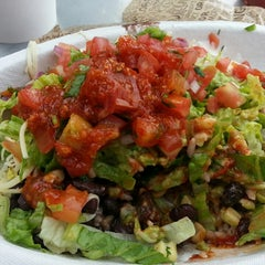 Photo taken at Chipotle Mexican Grill by Richard F. on 5/18/2013