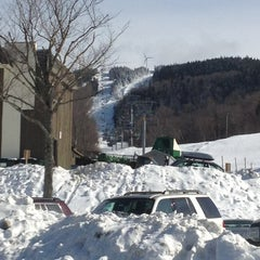 Photo taken at Bolton Valley Resort by Kirk R. on 2/16/2013