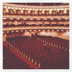 Photo taken at Carnegie Hall (Stern Auditorium/Perelman Stage) by Tobias on 10/10/2012