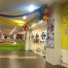 Photo taken at Carrefour by Andrie W. on 10/18/2013