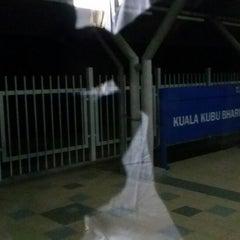 Photo taken at KTM Komuter Kuala Kubu Bharu (KA14) Station by Chew Y. on 7/15/2014
