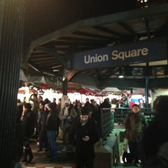 Photo taken at Union Square Holiday Market by Duvan G. on 12/24/2012