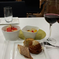 Photo taken at Lufthansa Senator Lounge by Mario F. on 11/17/2013