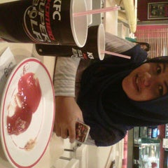 Photo taken at KFC by Arifin R. on 9/10/2014