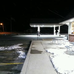 Photo taken at Nice N Easy Grocery Shoppe by Frank C. on 2/16/2013
