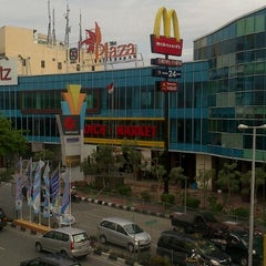Photo taken at The Plaza Balikpapan by Andi R. on 10/25/2012