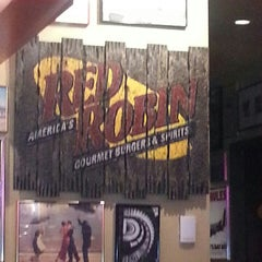 Photo taken at Red Robin Gourmet Burgers by jean j. on 6/9/2013