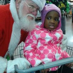 Photo taken at Walmart Supercenter by jean j. on 12/23/2014