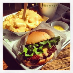 Photo taken at Shake Shack by Naoki T. on 5/4/2013