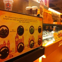 Photo taken at J.CO Donuts & Coffee by I am N. on 6/18/2013