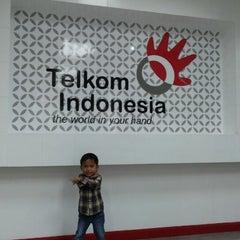 Photo taken at Plasa Telkom by Dewi S. on 2/24/2014