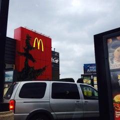 Photo taken at McDonald's by Erik R. on 11/13/2015