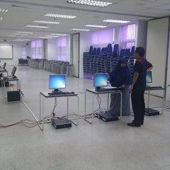 Photo taken at Kompleks Dewan Kuliah Fakulti Sains by Nik Shah R. on 9/20/2012