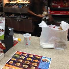 Photo taken at McDonald's & McCafé (แมคโดนัลด์ & แมคคาเฟ่) by JOJO3z S. on 4/12/2013