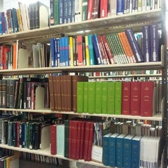 Photo taken at UNSW Main Library by Jenny T. on 2/18/2013