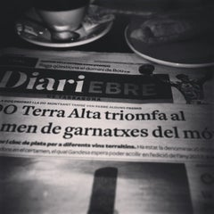 Photo taken at Cafe Fleca Feliu by Paco I. on 2/11/2015